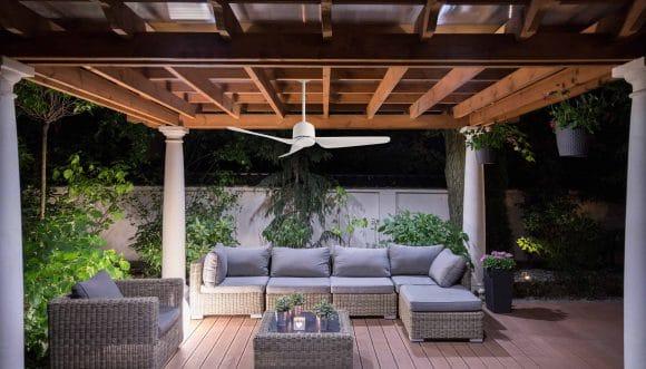 הדרך היעילה ביותר להרחקת יתושים מהסוכה: מאוורר תקרה!