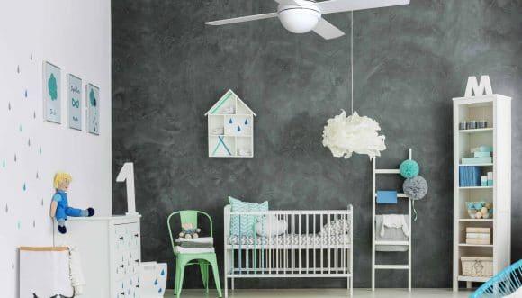 מאוורר תקרה בחדר התינוקות